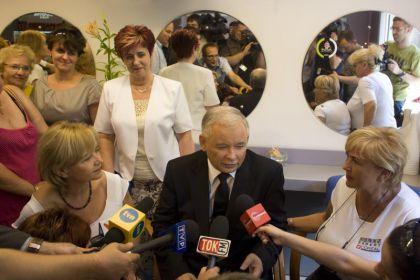 Fryzjerki: Jarosławowi Kaczyńskiemu dobrze z siwizną